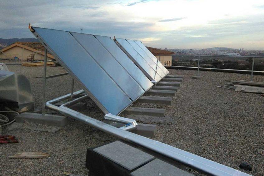 Instalaci n de gas y placas solares comeal instalaciones - Instalador de placas solares ...