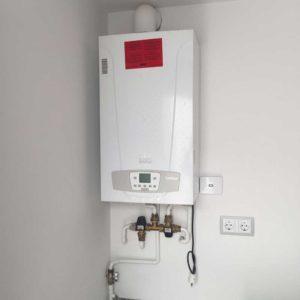 instalacion-termosifon-para-placa-solar-unifamiliar